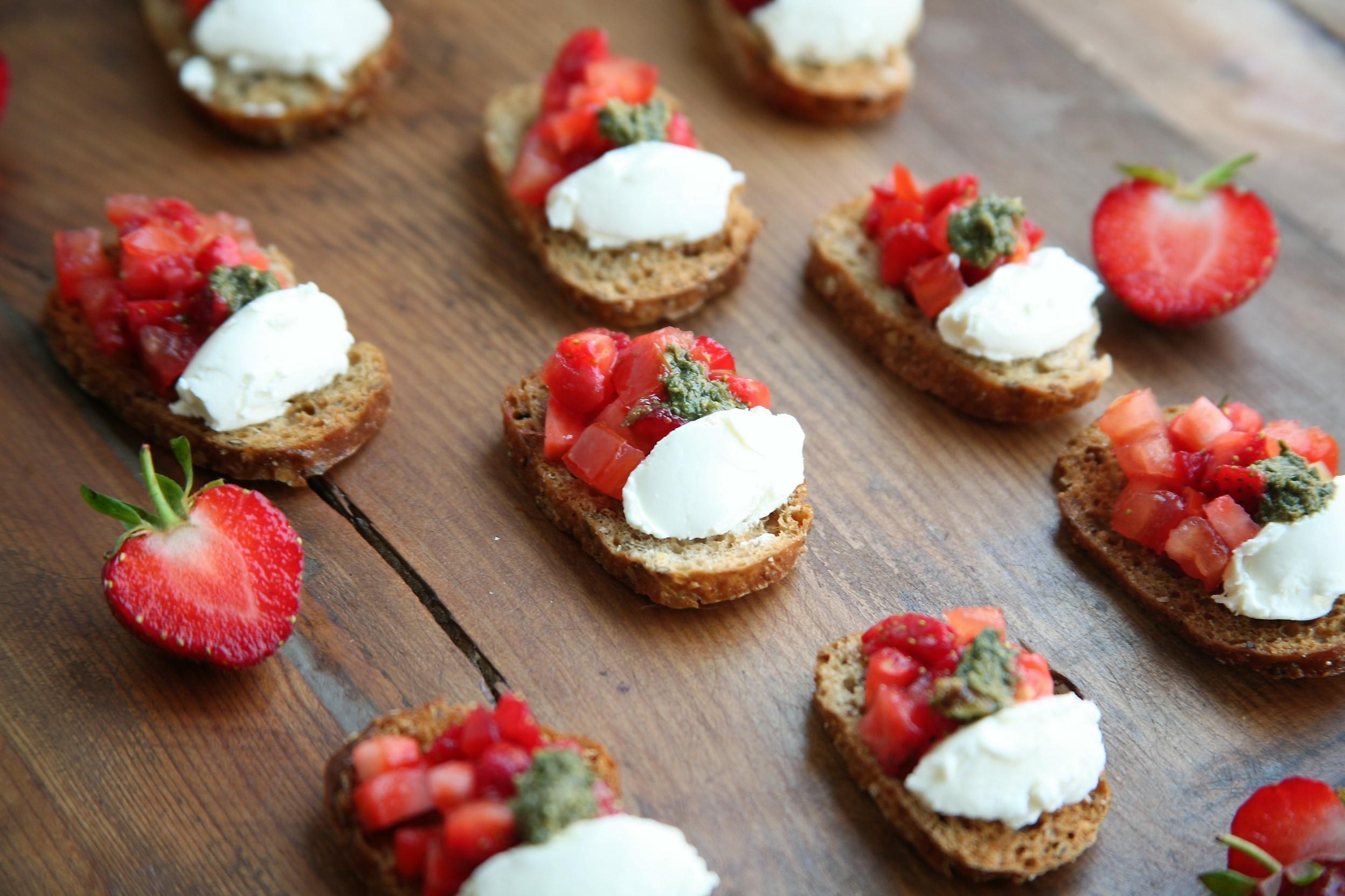 Flore Kitchen- Fraises sur toast