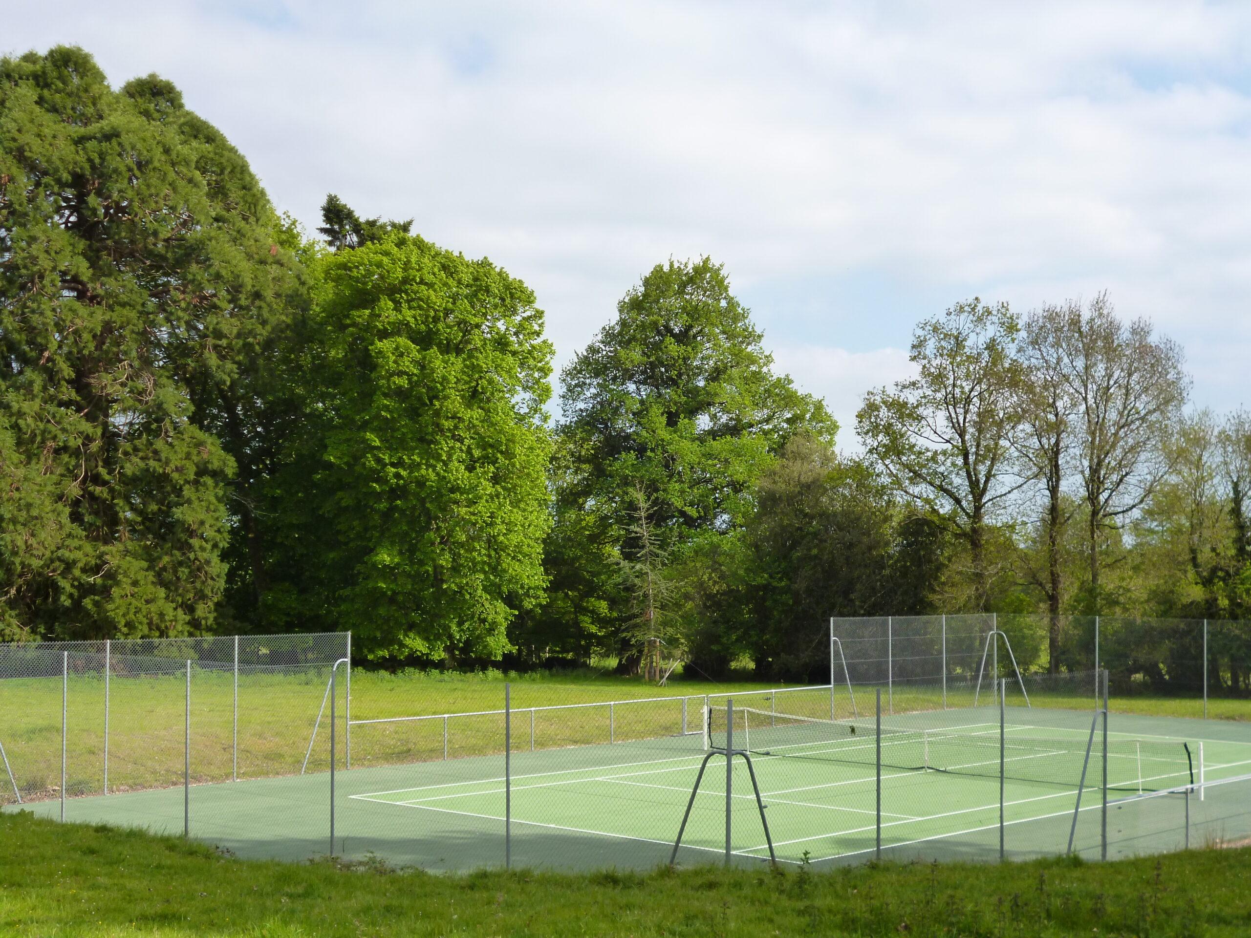 Domaine de la partoucie- court de Tennis